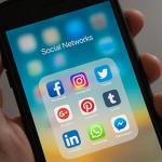 10 Social Media Accounts Physicians Should be Following